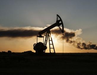 Barel nafte pojeftinio zbog velikih zaliha